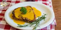 Nejslavnější steakové omáčky světa: Ochutnejte pepřovou klasiku i argentinskou chimichurri
