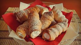 Retro cukrárna: Z jaké dobroty se vyvinula kremrole a kde vzal indiánek svůj název?