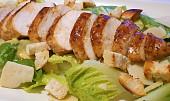 Vyzkoušejte světově proslulé saláty: Jak připravit Caesar, Nicoise nebo Waldorf?