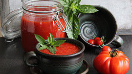 Dvanáct nejlepších jídel zrajčat: Dáte si klasickou omáčku, studenou polévku nebo tataráček?