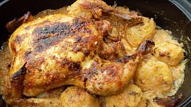 9 jídel zjednoho pekáčku: Kuře se zelím a knedlíky nebo houbový pekáček si zamilujete!