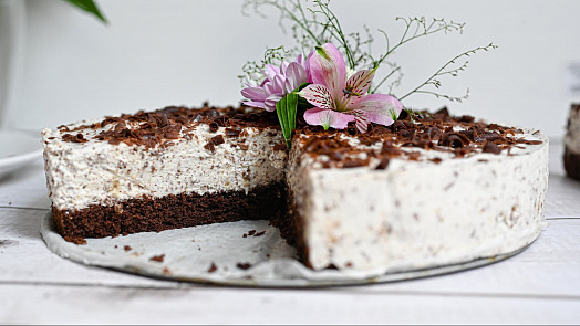 Jako zráje: Dejte si smetanový Margot dort s kokosovo-rumovou příchutí!