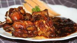 Večeře do 30 korun na porci: Zkuste chalupářskou omeletu, jáhlovou kaši či pečená křidélka