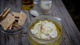 Vyzkoušejte baba ghanoush! Pomazánka z pečeného lilku s česnekem vás bude bavit!