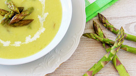 Pět nejlepších způsobů, jak si užít chřest: Zkuste netradiční závin nebo krémovou polévku!