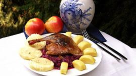 Tradiční hostina na Boží hod snadno a rychle: Jak na kaštanovou polévku a křupavou kachnu?