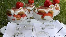 Originální jahodové kombinace: Spojte je s bazalkou či pepřem a zažijte nebe vústech!