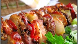 Chalupářské dobroty: Dejte si špíz se slaninou, omeleta z chipsů i houbový guláš