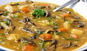 Už rostou! Ochutnejte netradiční houbové polévky a zkuste to s koprem... nebo skaprem!