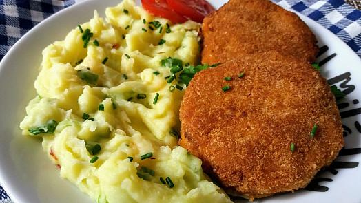 Jak na nejlepší karbanátky z masa i bez něj? Vláčnost dodají brambory i smetana!