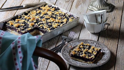 Borůvkový koláč jako od babičky: Jak to udělat, aby se povedl na jedničku?