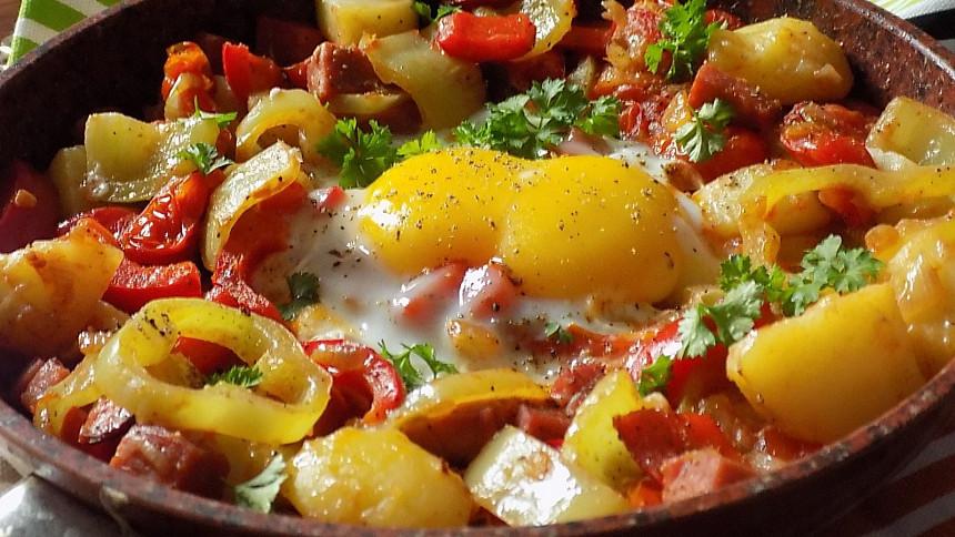 Maďarské lečo: Tajemství skvělé chuti tkví ve správném postupu. Víte, jak na to?
