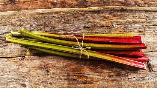 Rebarbora, jak ji neznáte: Slané recepty ze sezónní dobroty určitě zkuste!