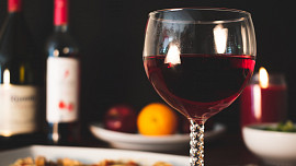 Pozor na skryté kalorie v pití! Víte, kolik jich je ve vínu, pivu nebo třeba v džusu?