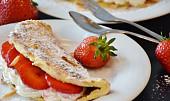 Retro moučník: Upečte si tu nejlepší piškotovou omletu jako od babičky!