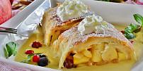Jablečný štrúdl je poklad tradiční české kuchyně. Anebo je to jinak?