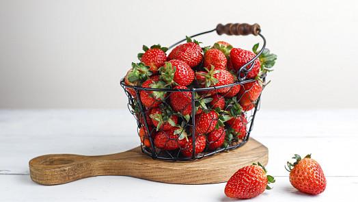 Hurá na jahody! Deset nejlepších a prověřených míst, kam vyrazit na samosběr