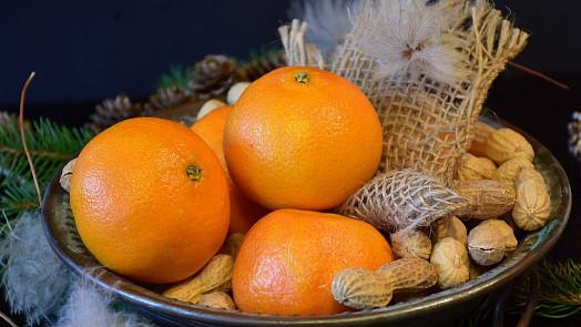 Jak zůstat fit přes Vánoce? Štědrý den začněte ovesnou kaší a myslete na ovoce i vodu