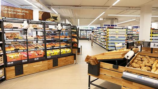 Tesco otevřelo nový supermarket vJesenici u Prahy
