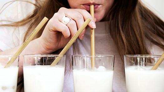 Kefír, kyška nebo podmáslí? Vyznejte se v oblíbených mléčných kysaných nápojích!