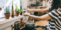 Byliny v kuchyni: Bazalka prospívá trávení. Jak ji vypěstovat doma za oknem?