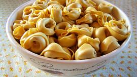 Vyznejte se v těstovinách, díl II.: Víte, že zatočené tortellini prý mají připomínat pupík Venuše?