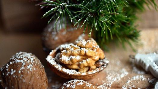Zdravé Vánoce našich (pra)babiček: Dětem se dávaly panenky z ovoce místo dárků