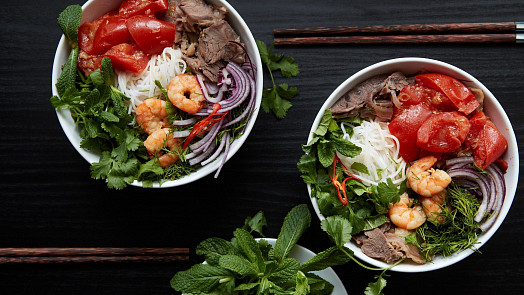 Asijské bylinky: Koriandr,  thajská bazalka nebo perila jídlo ochutí, provoní a ještě pomůžou trávení