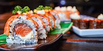 Japonské sushi a hry: Co jedí sportovci vTokiu na letošní olympiádě a co naopak jíst nesmějí?