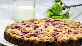 Využijte sezónní ovoce na osvěžující bublaninu