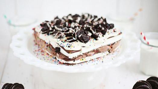 Zmrzlinový dort osvěží každou párty!