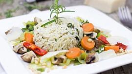 Jak správně připravit vařenou či dušenou rýži? Záleží jaký druh máte ve spíži