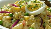 Recepty na tradiční bramborový salát