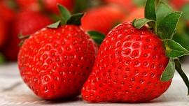 Na správně zpracovaných jahodách si můžete pochutnat i dlouho po sezoně. Poradíme, jak na to