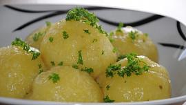 Nejrůznější typy knedlíků jsou důležitou součástí české kuchyně