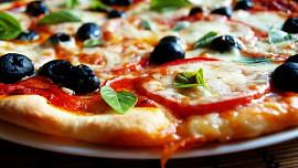 Historie pizzy a jak si ji upéct doma