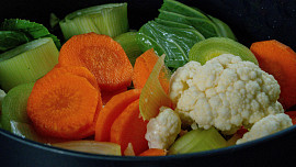 Domácí vegeta - zeleninová směs na dochucování pokrmů