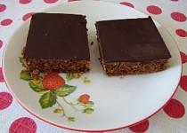Kávový koláč s ořechy a čokoládou