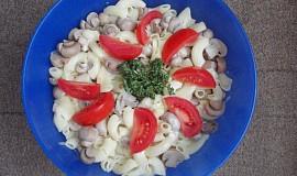 Těstovinový salát se žampióny