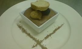Čokoládová pěna/ Chocolate mousse/ Mousse aux chocolat