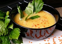 Krémová  polévka z červené čočky