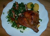 Kuře na česneku a smetanový špenát