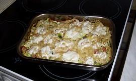 Nudle zapečené s brokolicí a mozzarellou