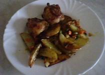 Pečené kuřecí maso se zeleninou a brambory