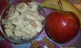 Celerový salát s jablky a banánem