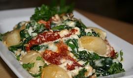 Gnocchi zapečené se špenátem a třemi druhy sýrů
