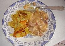 Marinované maso s praženými bramborami