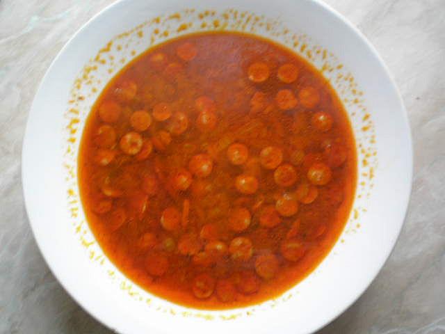 Svačinková polévka s rohlíčkem je dobrá.
