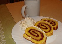 Piškotový závin/roláda s domácí  marmeládou