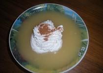Studená polévka z jablek